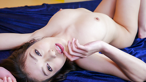 Ryu Enami - Asian blow jobs by horny Ryu Enami in threesome  - Picture 4