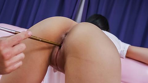 Ren Azumi - Ren Azumi enjoys an asian vibrator on her clit - Picture 6