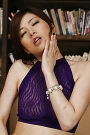 Keito Miyazawa - Keito Miyazawa mesum twat dengan vibrator - gambar 6