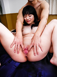 Hina Maeda - Two Older Guys Pound Hina Maeda's Shaved Pussy - Picture 9
