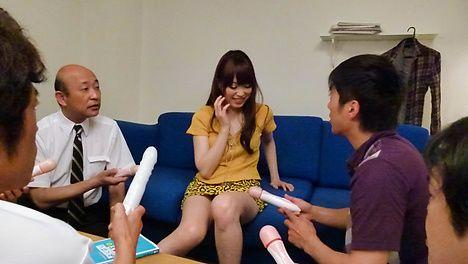 Moe Sakura gives guys a japan blowjob while masturbating
