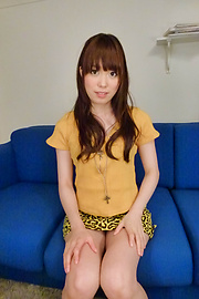 Moe Sakura - โม Sakura ให้พวกญี่ปุ่น blowjob ในขณะที่ masturbating -  1 รูปภาพ