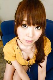 Moe Sakura - โม Sakura ให้พวกญี่ปุ่น blowjob ในขณะที่ masturbating -  3 รูปภาพ