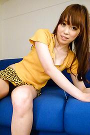 Moe Sakura - โม Sakura ให้พวกญี่ปุ่น blowjob ในขณะที่ masturbating -  5 รูปภาพ