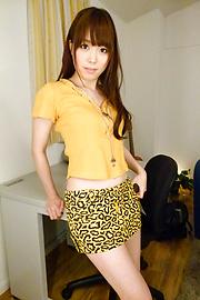Moe Sakura - โม Sakura ให้พวกญี่ปุ่น blowjob ในขณะที่ masturbating -  7 รูปภาพ
