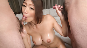 Top milf amazes with sloppy Asian blowjob on cam