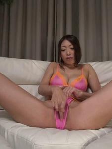 Reiko Kobayakawa - Busty woman amazes with a double Japanese blowjob  - Screenshot 5