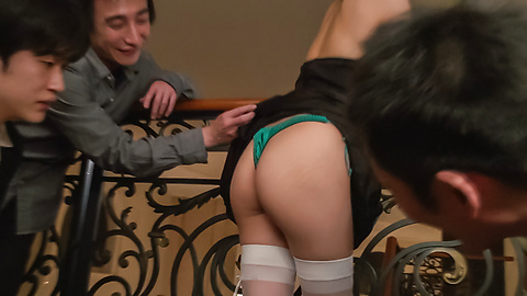 Maki Horiguchi - Double Asian blowjob by slim Maki Horiguchi - Picture 4