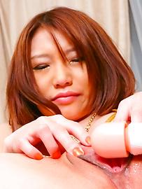 Aoi Yuuki - อาโออิ ยูกิเป็น squirting ยากจาก Dildo ภาษาญี่ปุ่น -  12 รูปภาพ
