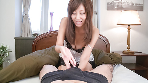 Chihiro Akino - Superb Asian blowjob by busty Chihiro Akino - Picture 7