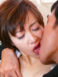 Akina Hara - Akina Hara毛茸茸的陰戶忌廉亞洲口交後 - 圖片4