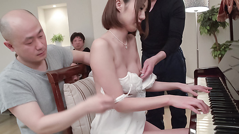 Narumi Ayase - Japan blowjob in group scenes for Narumi Ayase - Picture 10
