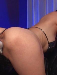 Akari Asagiri - Akari Minamino has an asian big dildo fucking her - 截圖4