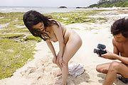 Outdoor sensations for Japanese av model, Kyouko Maki Photo 11