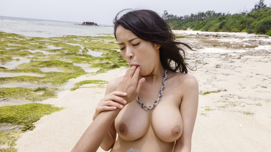 Big tits Kyouko Maki having sex in outdoor