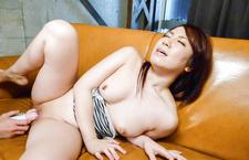 Sakura Ooba cums from an asian huge dildo