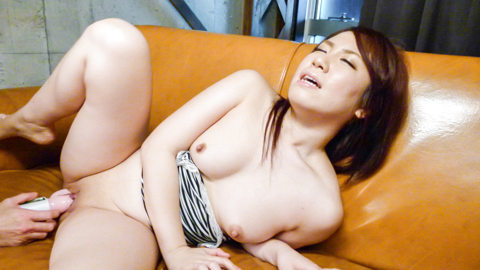 Asian Huge Dildo Porn