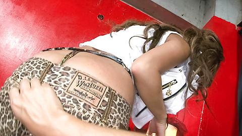 Juri Sawaki - Juri Sawaki gal is fucked under vibrator - Picture 9