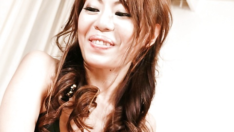 Mio Hiragi - 迷人的性感Asian寶貝猫咪撫摸和雙滲透 - 圖片2