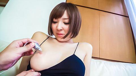 Hikaru Shiina - 钩住了凸轮的宇多田光椎名日本业余色情表演 - 图片 1