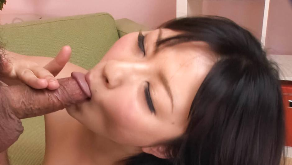 A japan blowjob for two from Megumi Haruka