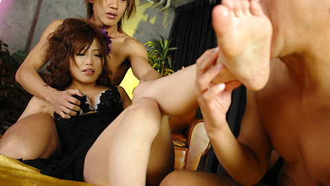 Ami Nagasaku - 野生Ami Nagasaku獲取雙滲透在集團訴訟 - 圖片3