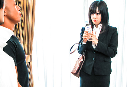 Yui Kyouno fucked hard in awesome threesome