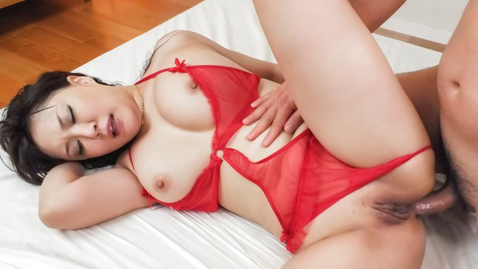 Hinata Komine removes her lingerie to fuck hard