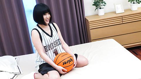 Mari Koizumi - Japanese blowjob in gangbang withMari Koizumi - Picture 1