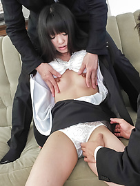 Kotomi Asakura - Sleazy Kotomi Asakura in full Japan blowjob porn scene - Picture 2