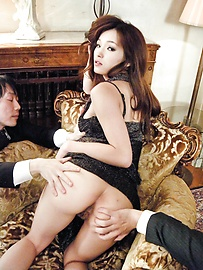 Mei Haruka - This hot threesome with Mei Haruka will get you jerking off - Picture 9