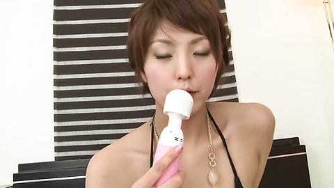 Saori - A Big Vibrator Has Saori's MILF Pussy Quivering - Picture 5