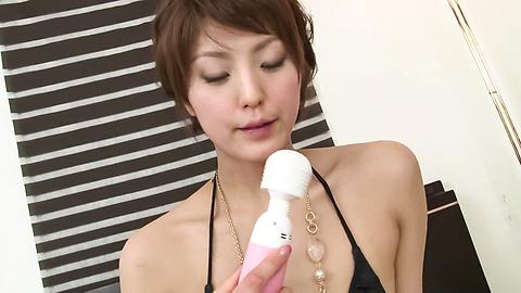 Saori - A Big Vibrator Has Saori's MILF Pussy Quivering - Picture 6