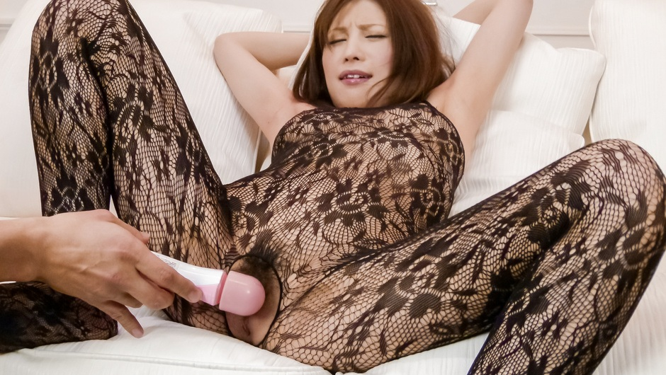 Asian squirting scene with appealing model Tsubasa Aihara