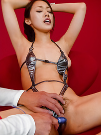 An Yabuki - An Yabuki gives a japanese blowjob to two guys while in bondage - Picture 8