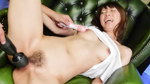 Vibrators and asian dildos has Junna Kogima's pussy cumming
