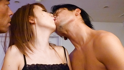 Megu Kamijo - Remaja di fishnets mendapat creampied di Asia blowjobs porno - gambar 9