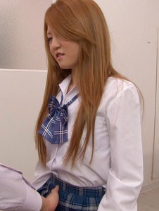 Sakamoto Hikari - Petite Asian Schoolgirl Fucked During Medical Exam - Screenshot 2