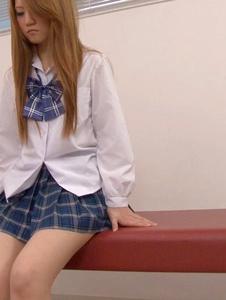 Sakamoto Hikari - Petite Asian Schoolgirl Fucked During Medical Exam - Screenshot 8