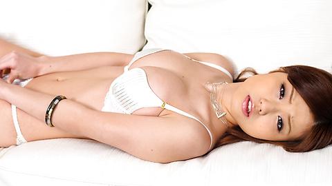 Nao - Sexy Nao in white lingerie menggelitik buah dadanya - gambar 10