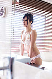 Kotomi - Kotomi enjoys fingering her cunt on sink - Picture 9