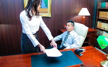 Classy Japanese babe Ibuki got some other office skills