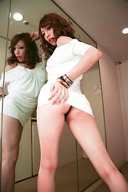 Aya Sakuraba - สวยงาม Babe Aya ให้ blowjob handjob และเหลวไหล -  6 รูปภาพ