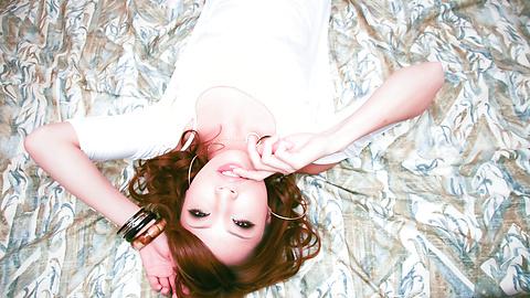 Aya Sakuraba - 精力充沛的日本雞公雞吮吸和釘在她的陰部硬 - 圖片7